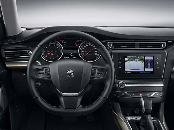 салон Peugeot 408 2021