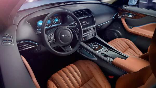 салон Jaguar F-Pace 2017