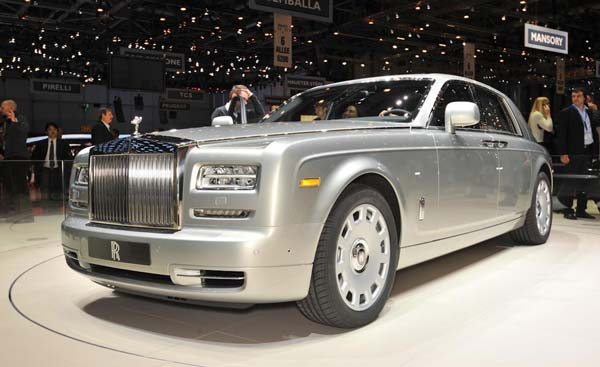 rolls royce phantom 2017 года
